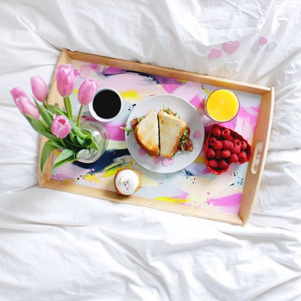 How to DIY a Valentine's Day Breakfast in Bed Tray