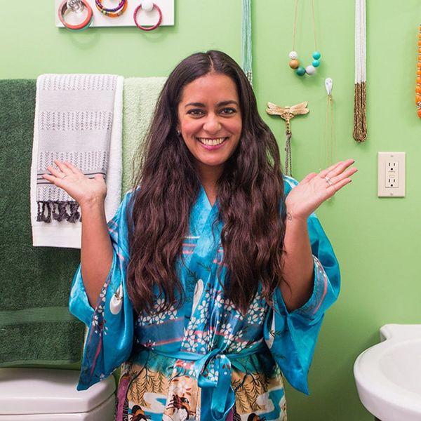 Renters, Rejoice! 2 Ways to Transform Your Itty Bitty Bathroom