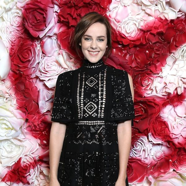 Jena Malone Just Revealed Her Baby Bump in the Sweetest Way