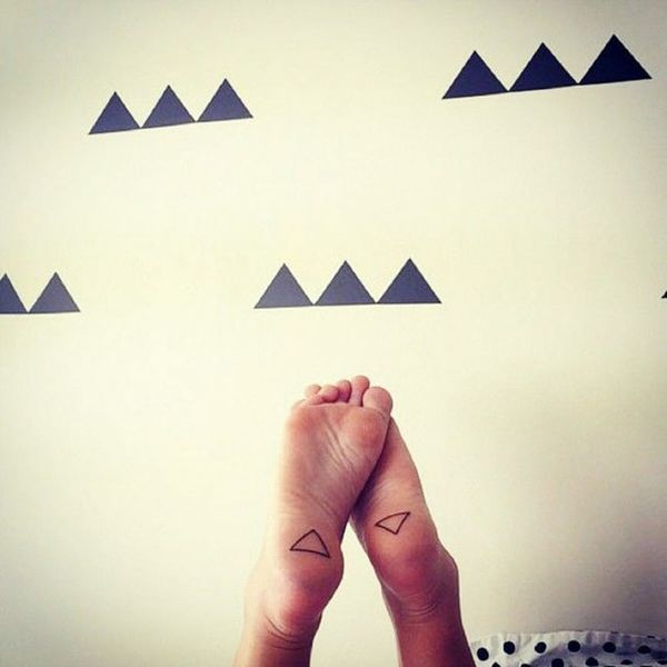 16 Tiny Foot Tattoos You'll Be Obsessing Over