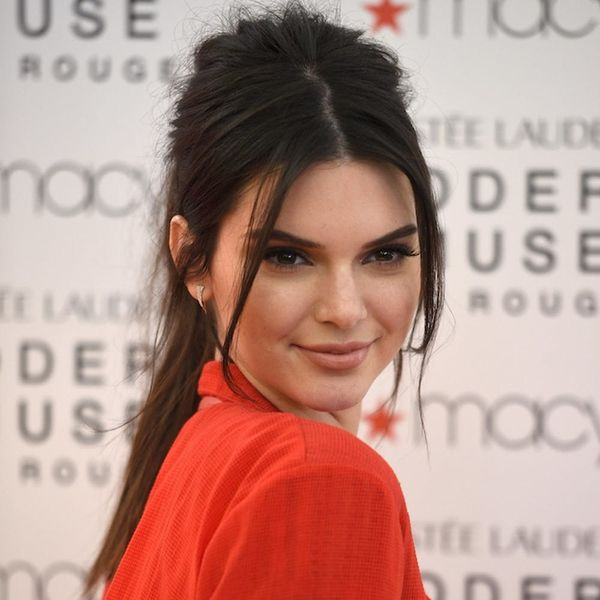 Kendall Jenner's Smartphone Trick at Dinnertime Is Genius + Something We All Need