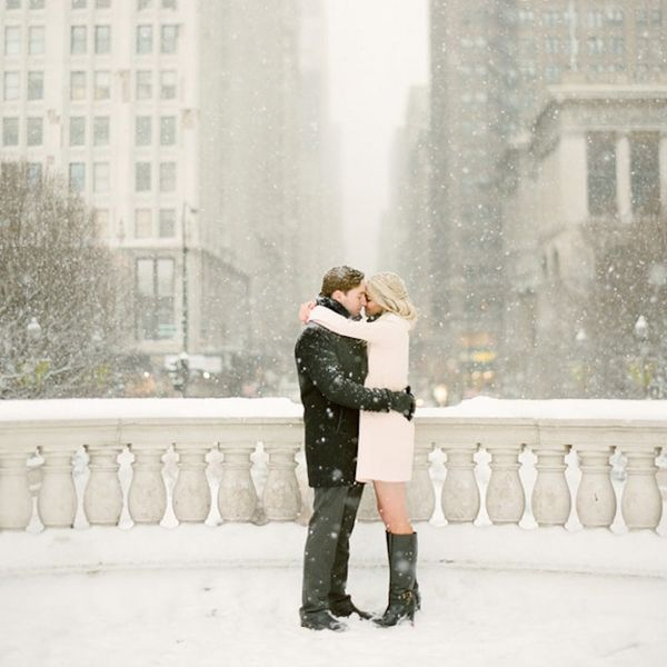 16 Snowscape Winter Engagement Photo Ideas That Are Crazy Beautiful