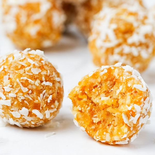 This Apricot Balls Recipe Is the Perfect Pre-Gym Snack