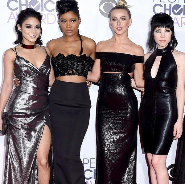 All the Best Red Carpet Looks from the 2016 People's Choice Awards