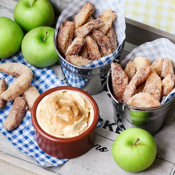 How to Make Apple Fries With Cheesecake Dip