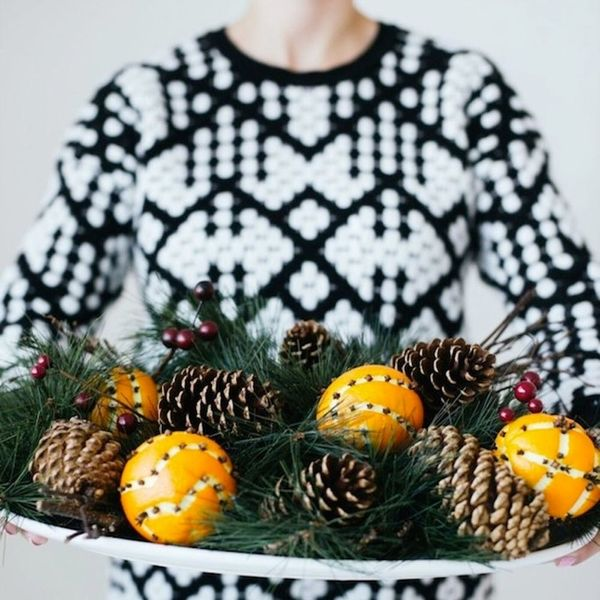 13 DIYs to Make Your House Smell like Christmas All Year