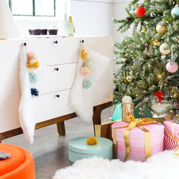 15 Reasons Pom Pom Holiday Decor Is Totally Worth Obsessing Over