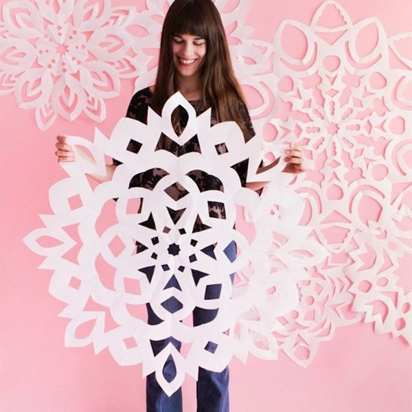 What to Make This Weekend: Giant Paper Snowflakes, Mulled Cider + More