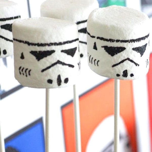 10 Super Cool Star Wars Desserts for the Geek in All of Us
