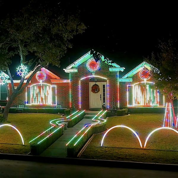 This Family's Dubstep Christmas Light Show Is Absolutely Insane