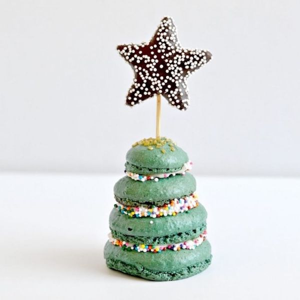 12 Holiday Macaron Recipes That Are *Almost* Too Pretty to Eat