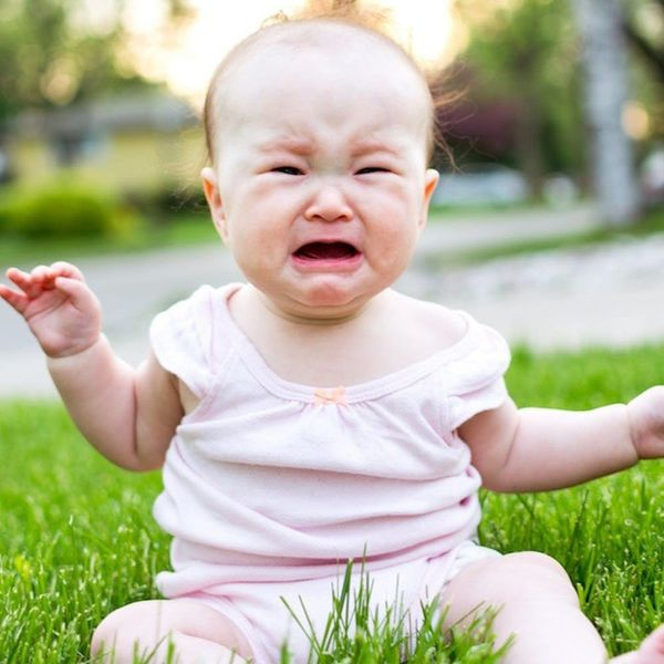 This Trick to Calm a Crying Baby Will Change a New Parent's Life