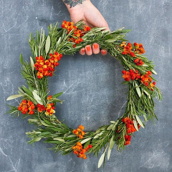 Give Your Door LIFE With a Fresh Flower Wreath for the Holidays
