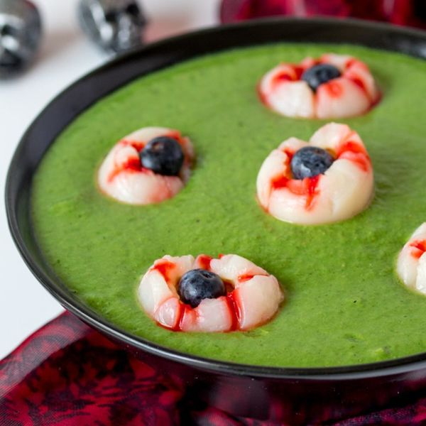 This Witches Brew Halloween Smoothie Bowl Is Hideously Healthy