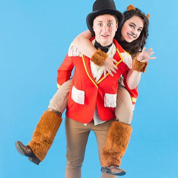 3 Clever Halloween Costumes for You and Your Girlfriend