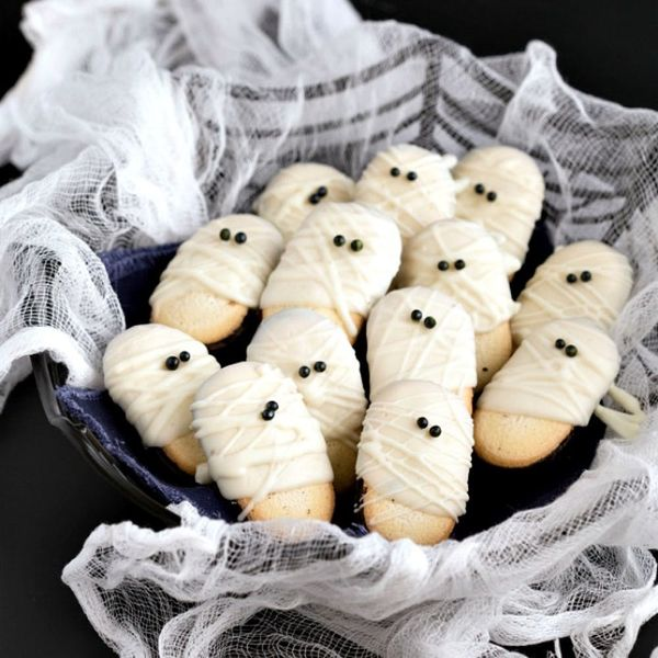 17 Last-Minute Halloween Snacks That Will Save the Spooky Day