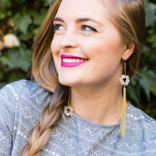 2 Ways to Make These Swingin' Shoulder Duster Earrings in 15 Minutes