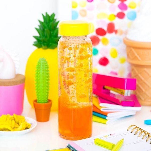 What to Make This Weekend: DIY Lava Lamps, Pineapple Cutting Board + More
