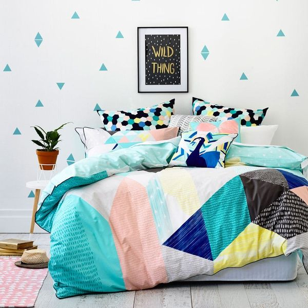 6 Dorm Room Decor Themes That Get an A+