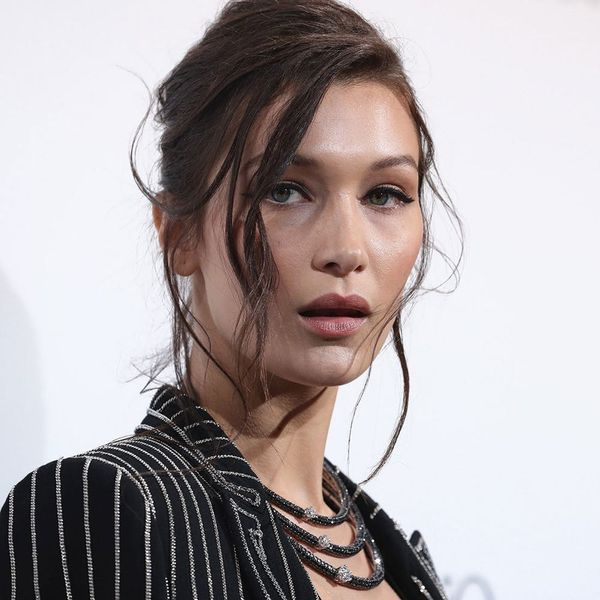 Watch the 2-Minute Beauty Routine Bella Hadid Does to Beat Jet Lag