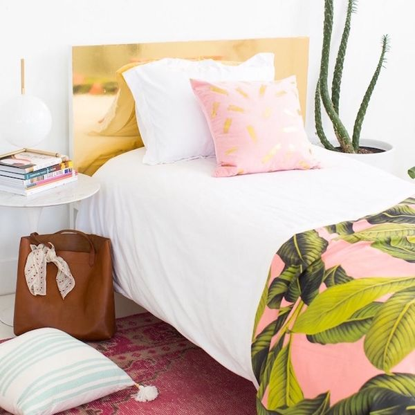 What to Make This Weekend: Brass Headboard, Graphic Laundry Baskets + More
