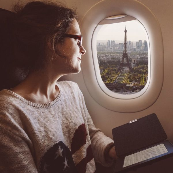 3 Things That'll Help You Stay Safe When Traveling Abroad