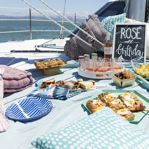 How to Throw an Epic 30th Birthday Boat Party