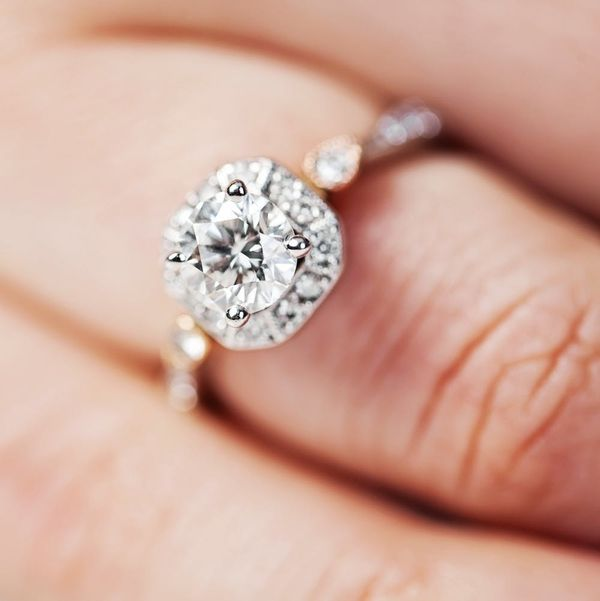 This 80-Carat Diamond Engagement Ring Is Beyond Spectacular