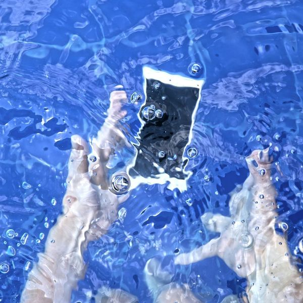Putting Your Water-Damaged Phone in Rice Doesn't Work