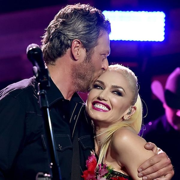 Morning Buzz! Blake Shelton's So Smitten With Gwen Stefani He Can't Even Believe She's Dating Him + More