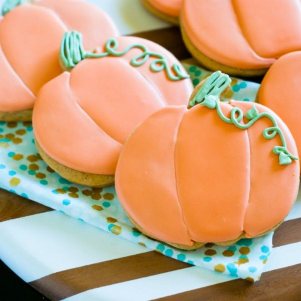 17 Halloween Pumpkin Cookie Recipes That Will Totally Crush Your PSL Craving