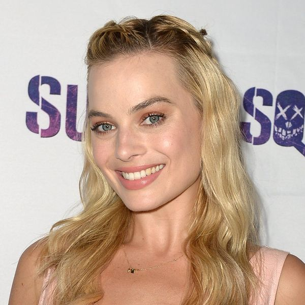 Margot Robbie Straight Up Wore a *Magical* Unicorn to Her Suicide Squad Premiere