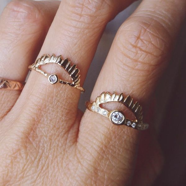 Swipe Right on This Seriously Cool Anti-Engagement Ring Trend