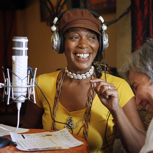 RIP Miss Cleo, the Queen of '90s TV Psychics