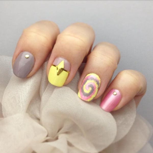 14 Manicures That Prove Tie Dye Nails Are a Must for Summer