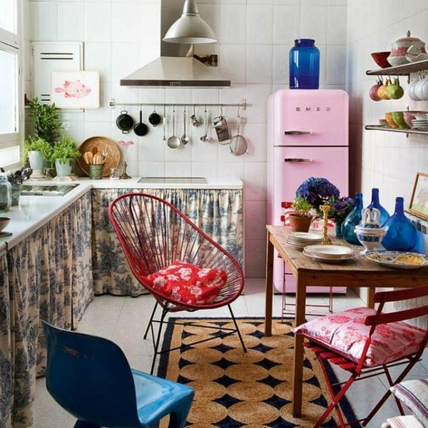 15 Times Acapulco Chairs Proved They're Stunning in Every Room