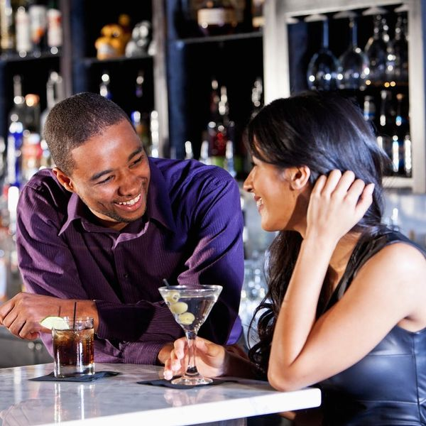8 First Date Drinks Approved by Alcohol Pros