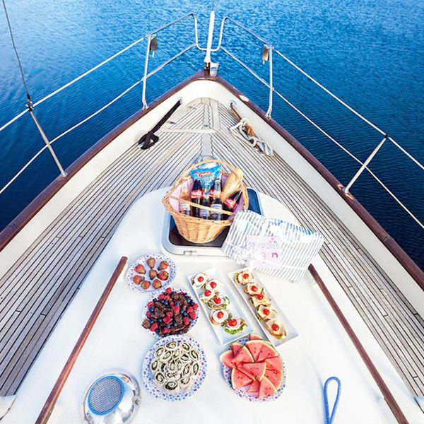 18 Must-Haves for Throwing a Boat Bachelorette Party