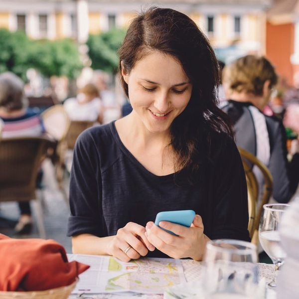 Can This App Really Help You Learn a New Language in Time for Vacay? We Investigate.