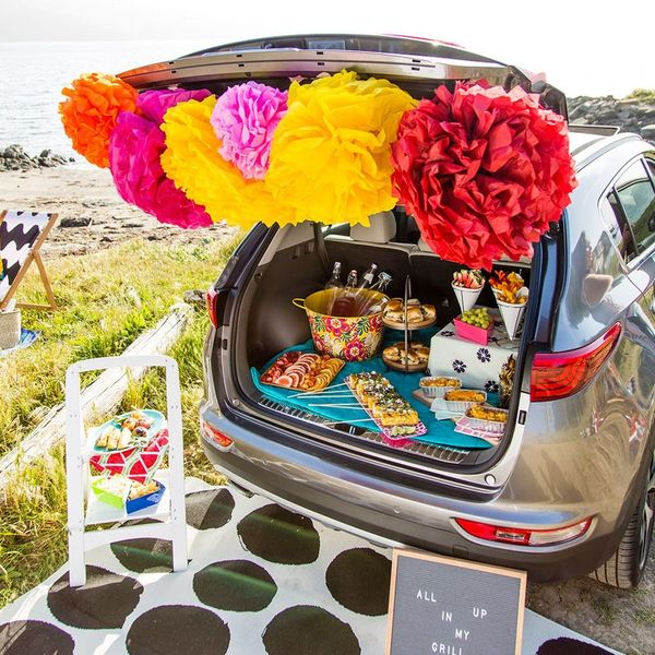Here's How to Throw a Beach BBQ Out of the Back of Your Trunk