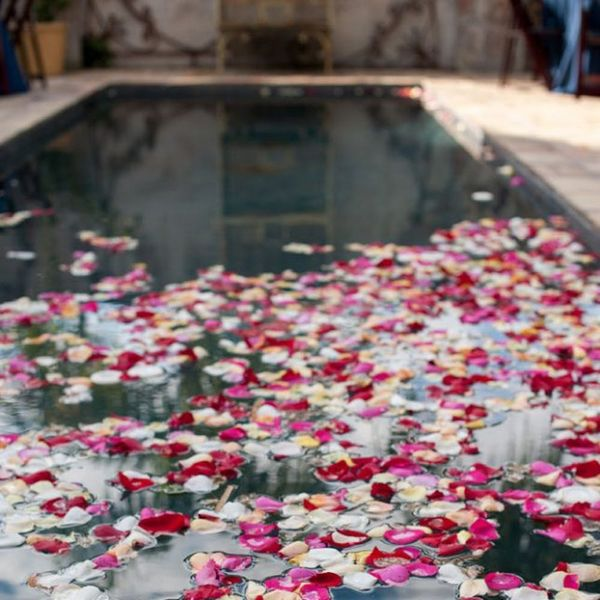 7 Breathtaking Ways to Dress Up a Pool for a Wedding