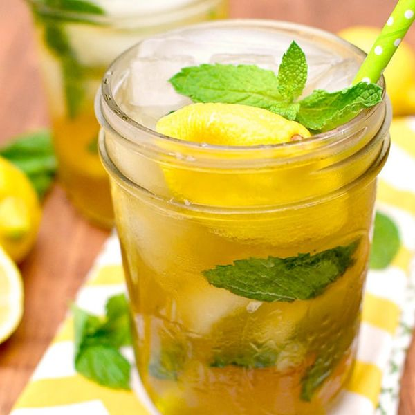 15 Boozy Iced Tea Cocktail Recipes to Quench Your Summer Thirst