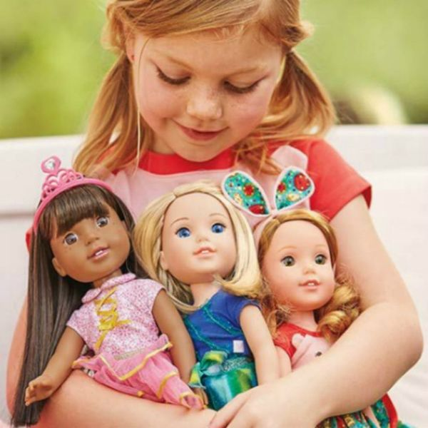 Here's Your First Look at the Newest Members of the American Girl Doll Gang
