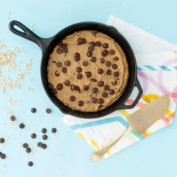 This Chickpea Pizookie Looks Decadent But Is Healthy AF
