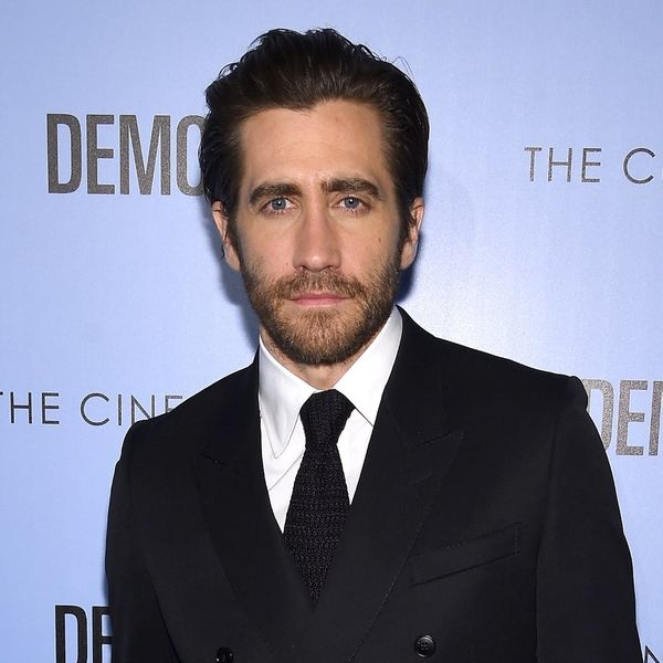 """Jake Gyllenhaal Singing """"A Whole New World"""" at the Tonys Will Totally Intensify Your Crush"""
