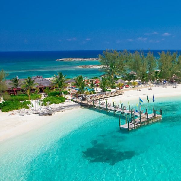 A Real Couple's Guide to Honeymooning in the Bahamas