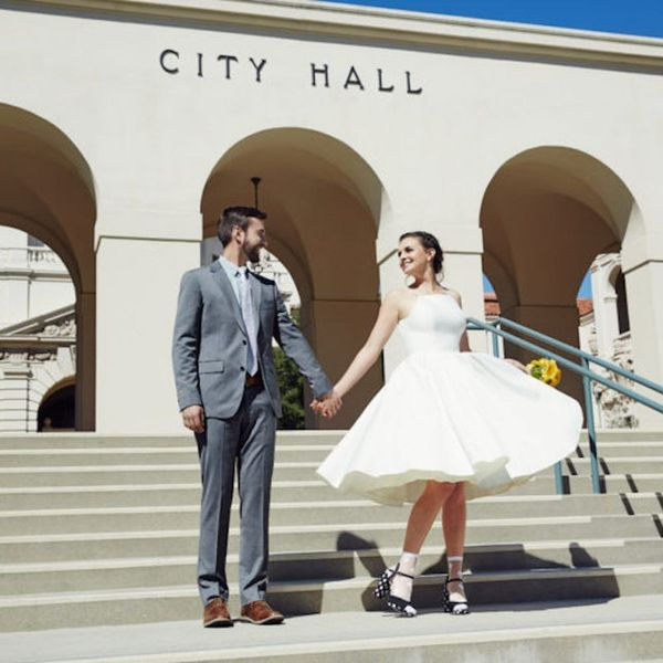 This ModCloth Bride's City Hall Wedding Is Old School Cool