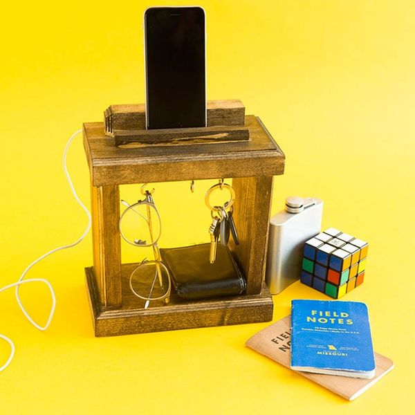 Build Dad a Charging Palace for Father's Day