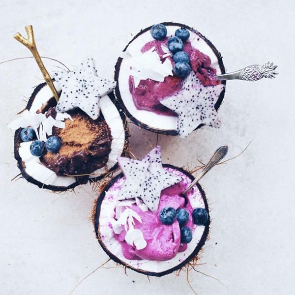 19 Edible Coconut Bowls That Will Give You Serious Summer Island Vibes