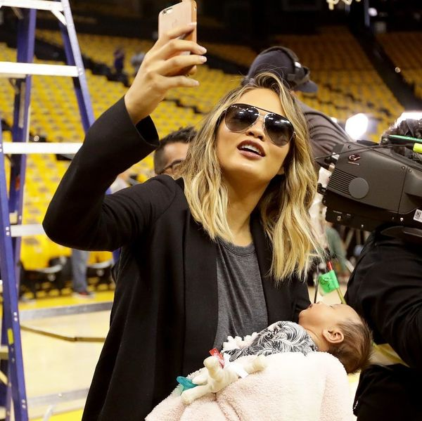 Chrissy Teigen's Public Breastfeeding Stokes Mom-Shaming Controversy